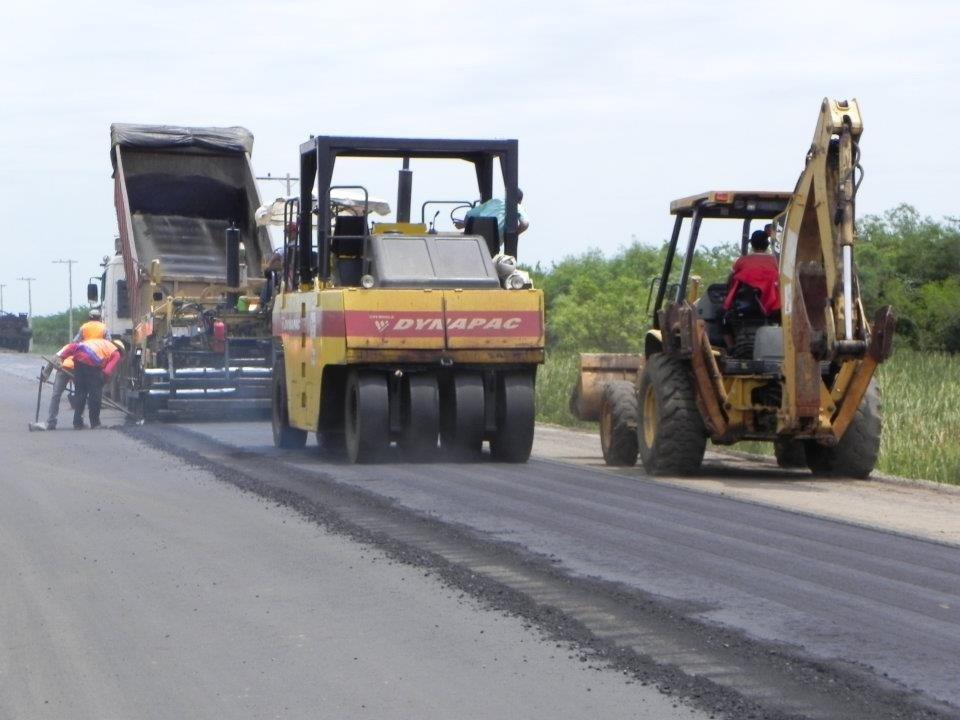 tractores maquinarias mopc asfaltado