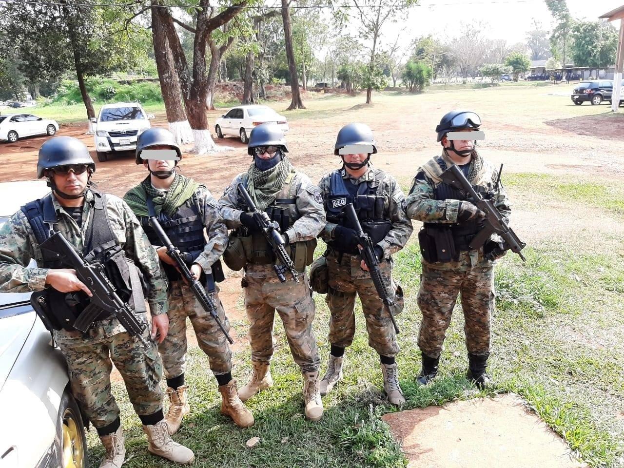 agentes de GEO Policia Nacional