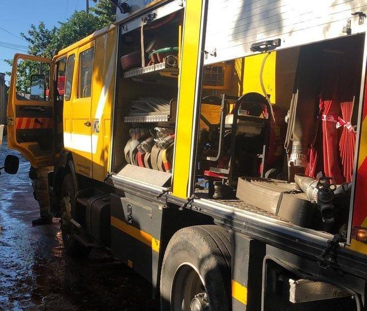 carro hidrante bomberos