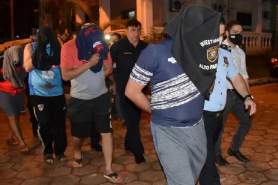 Cuatro policías fueron detenidos por extorsión y secuestro de turistas brasileños UH