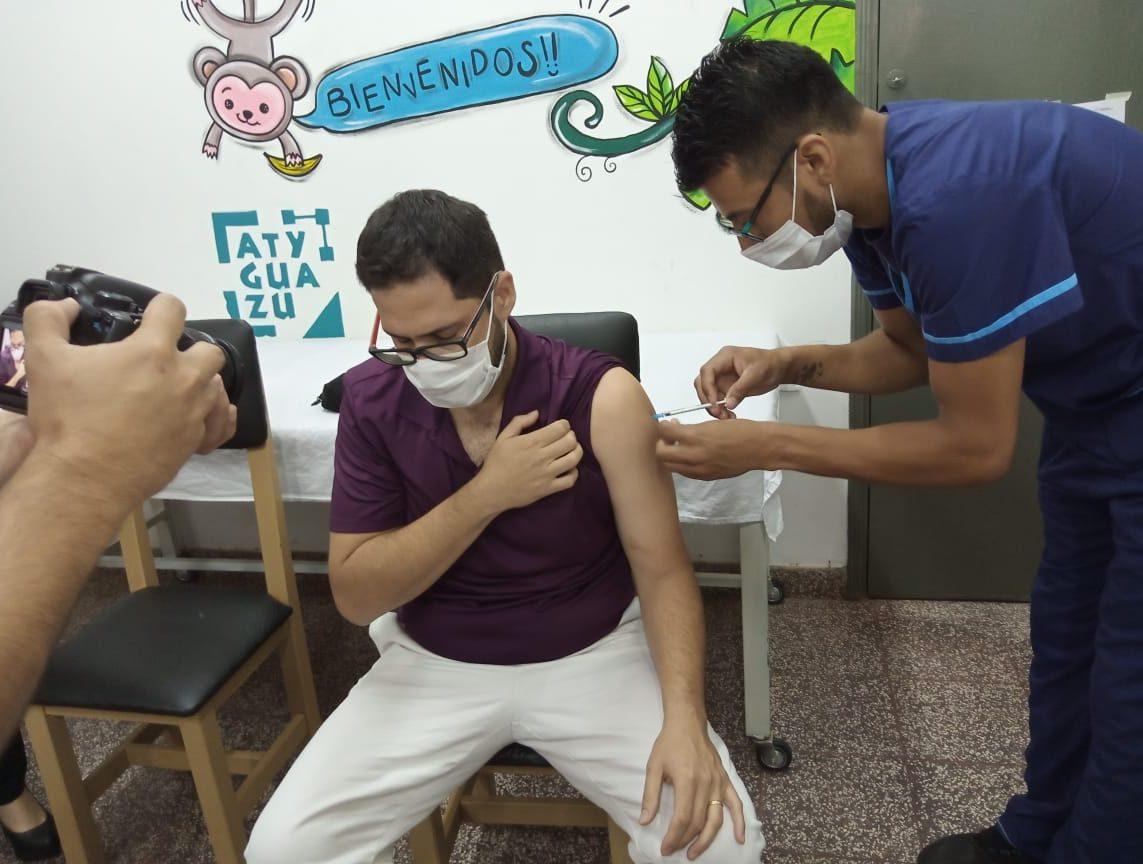 primeros vacunados contra el Covid en Itapúa 01