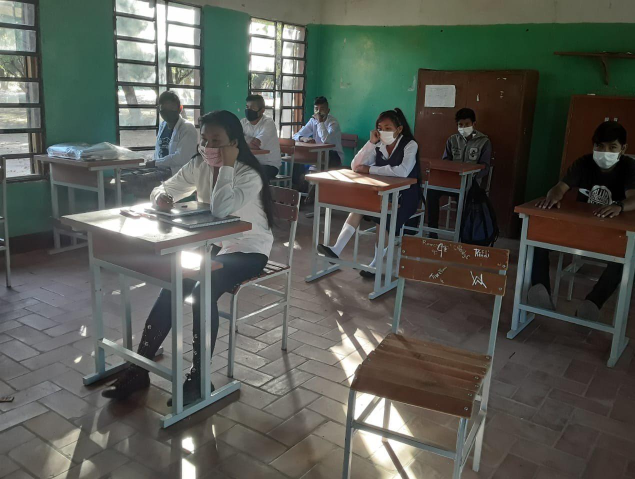 clases hibridas colegios coronavirus modo covid educacion paraguay MEC 01