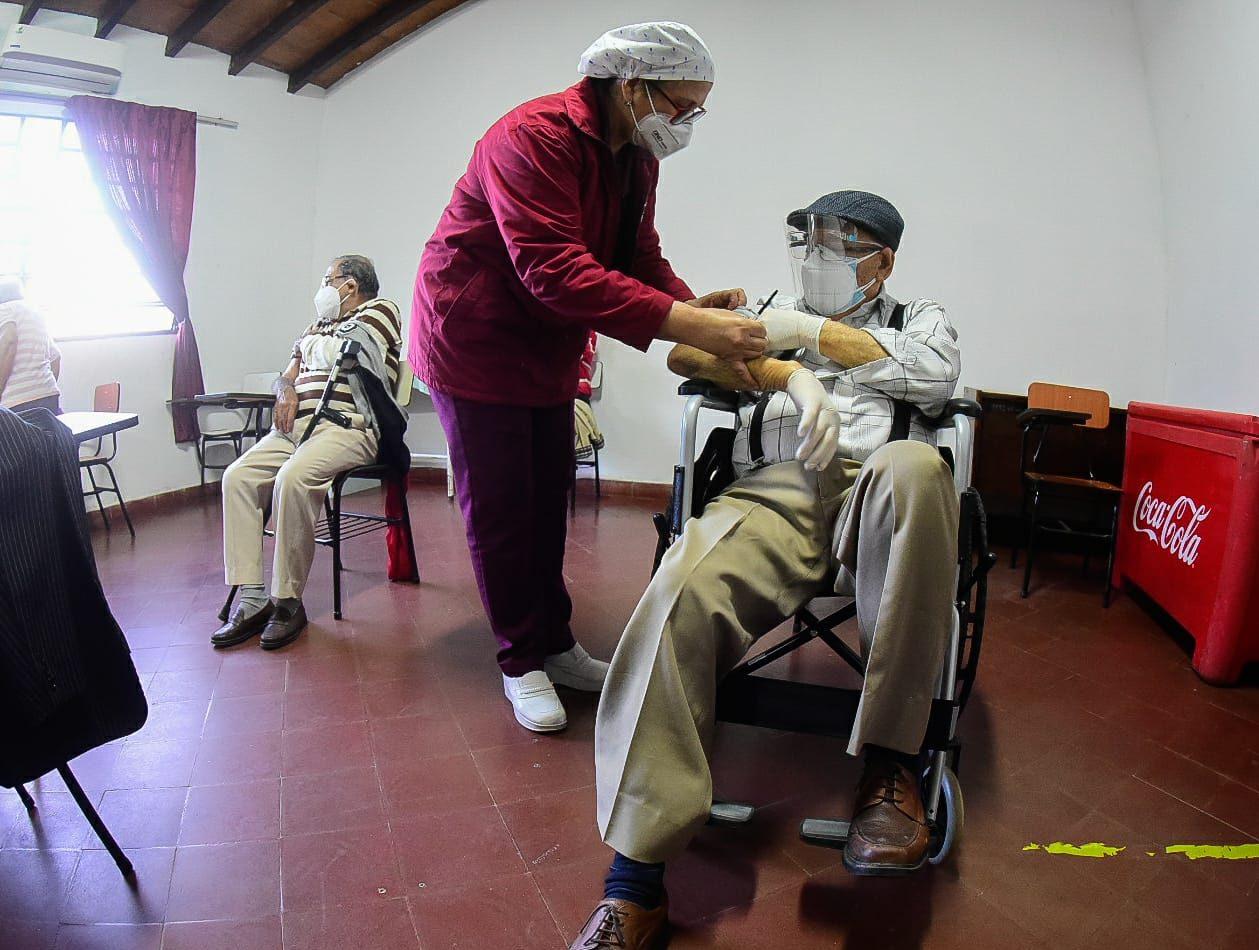 vacunacion-adultos-mayores-ancianos- msp3