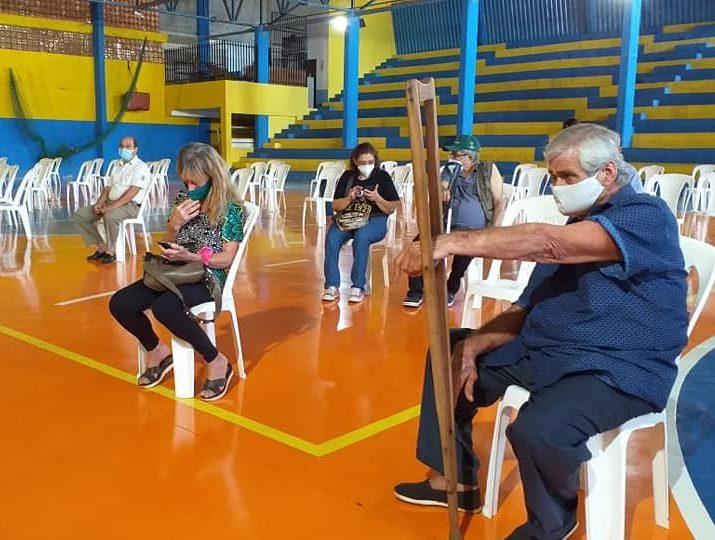 vacunacion adultos mayores ancianos presidente x decima region sanitaria covid