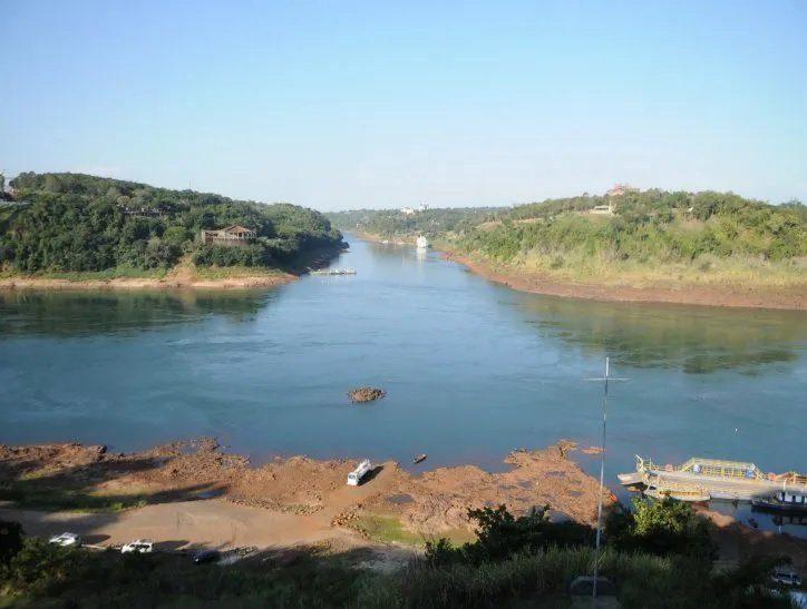 rio parana hito tres fronteras sequia bajante UH